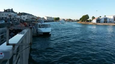 58-les-sables-boat-across
